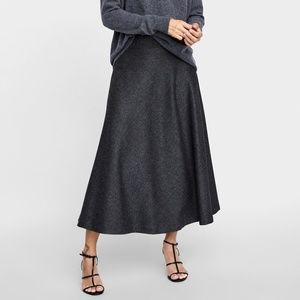 NWT Zara M Herringbone Pattern Midi A-line Skirt